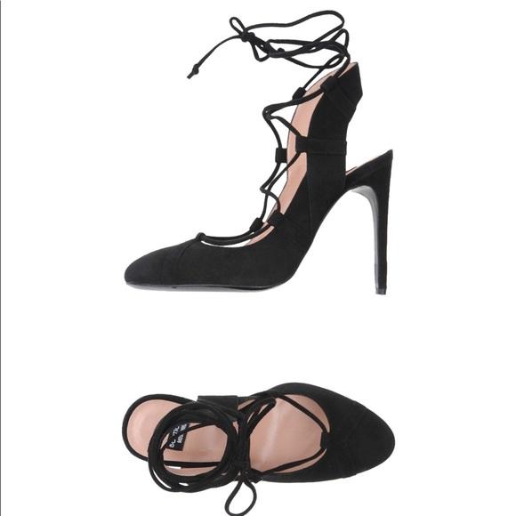 e396ec1de6e1 Boutique Moschino Suede Heels Black Size 8 US